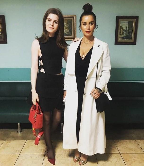 Мелания Кондрахина с мамой Тиной Канделаки