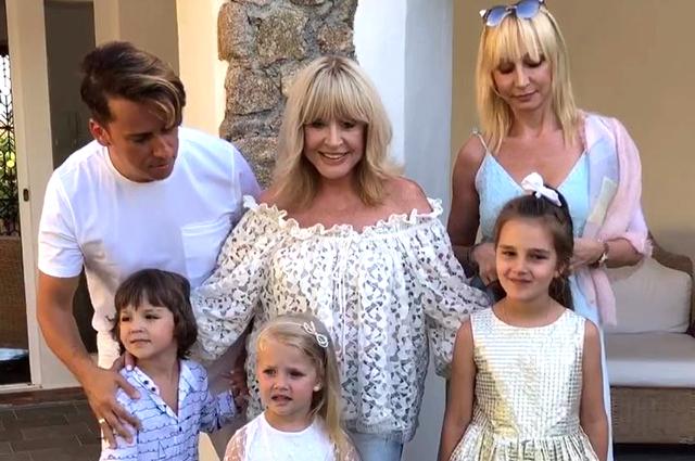 Максим Галкин, Алла Пугачева и Кристина Орбакайте с детьми отдыхают в Греции: видео