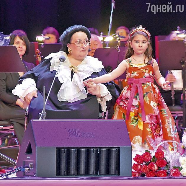 Монтсеррат Кабалье с внучкой Даниэлой