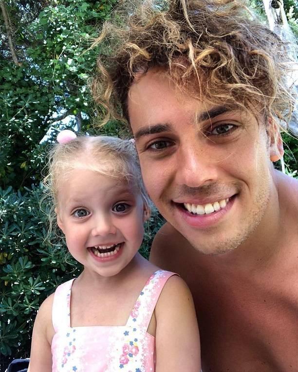 На новом селфи с дочкой Лизой, Максим Галкин выглядит, как 20-летний мальчишка