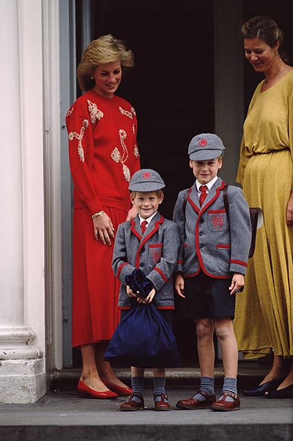 Принцесса Диана с принцами Гарри и Уильямом