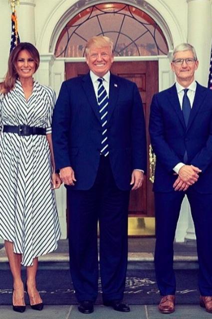 Мелания и Дональд Трамп, Тим Кук