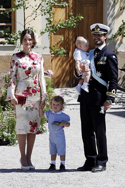 Принцесса София и принц Карл Филипп с детьми