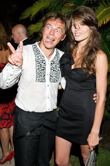 Илья Лагутенко с женой Анной Жуковой, 2009 год