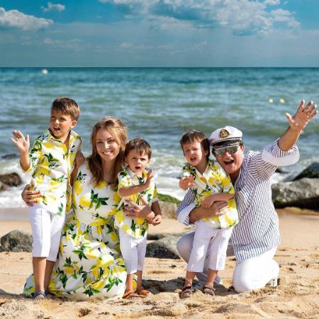 Полина и Дмитрий Дибровы с детьми