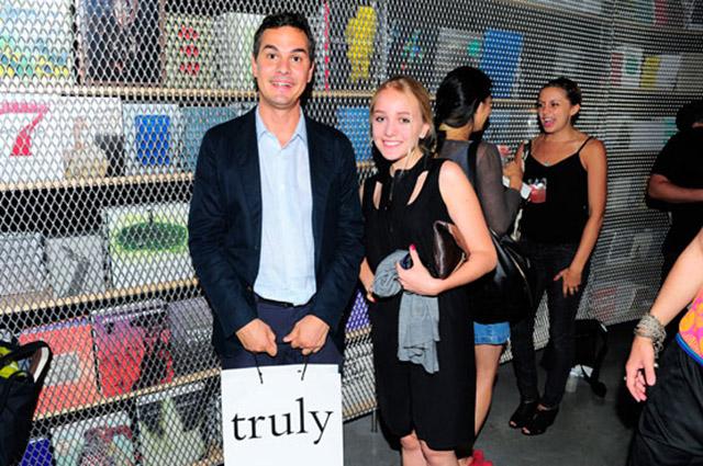 Массимилиано Джони (директор нью-йоркского New Museum и миланского Fondazione Nicola Trussardi) и Виктория Михельсон