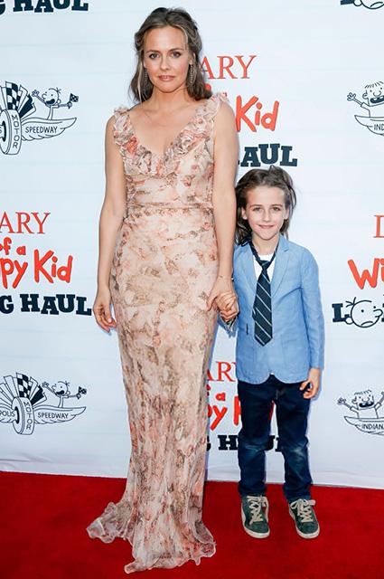 Алисия Сильверстоун с сыном Беаром
