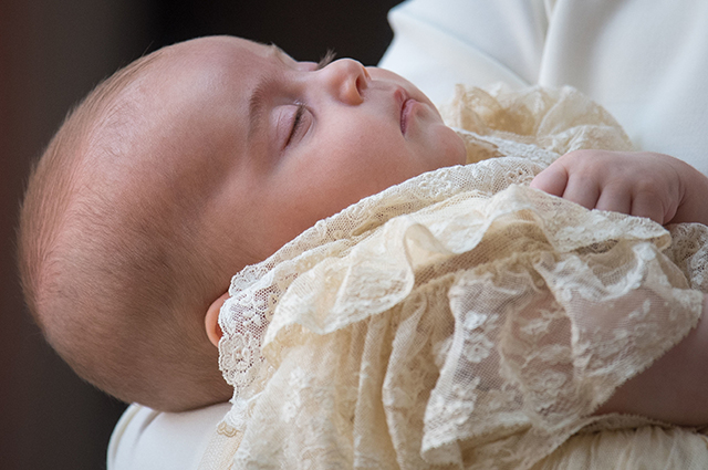 В сети появилось новое нежное фото сына Кейт Миддлтон и принца Уильяма — принца Луи