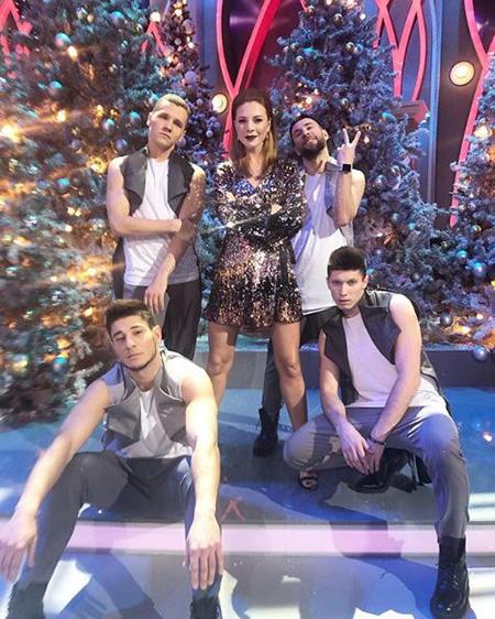 Наталья Подольская с танцорами