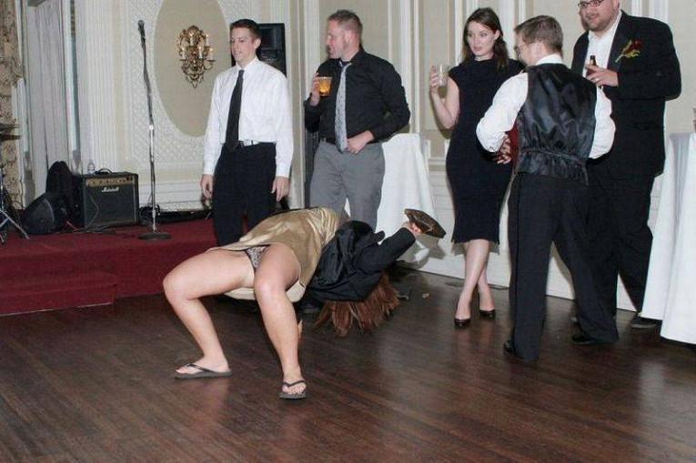 Палево на танцах видео, можно ли сосать у девушки клитора фото