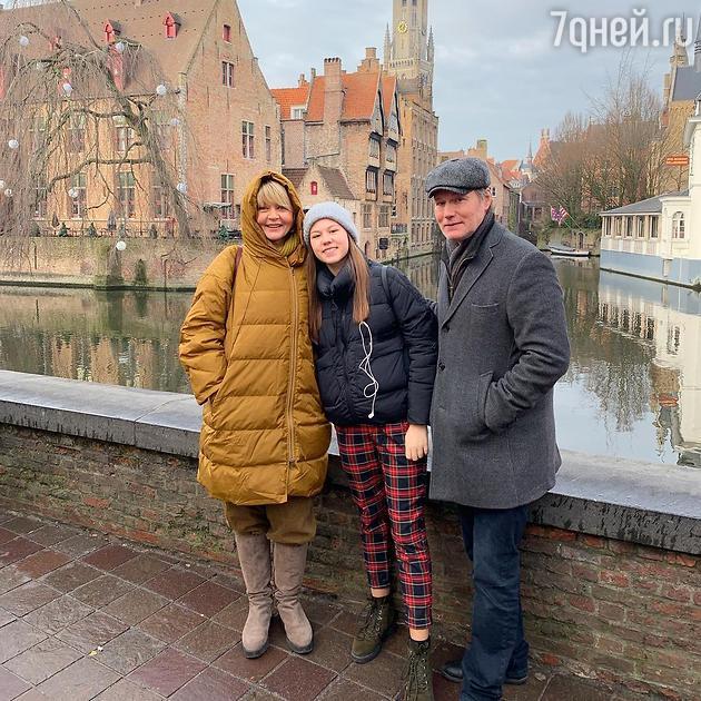 Юлия Меньшова с мужем и дочкой