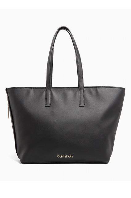 Calvin Klein — 6 672 руб.