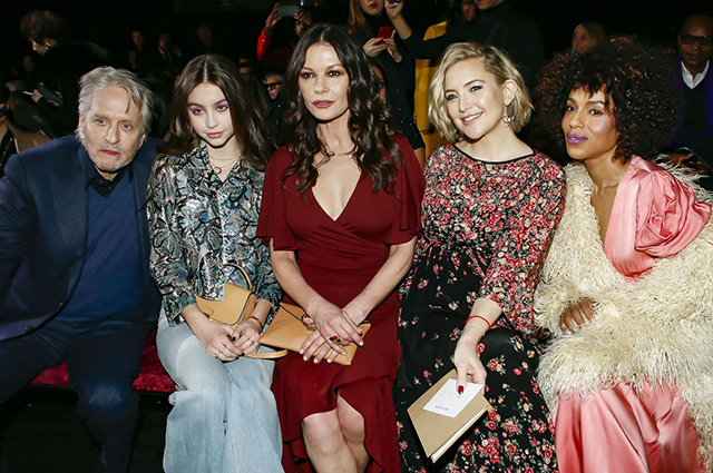 Майкл Дуглас и Кэтрин Зета-Джонс с дочерью Кэрис, Кейт Хадсон, Керри Вашингтон