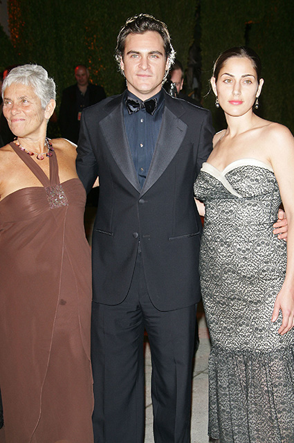 Хоакин Феникс с мамой Арлин и сестрой Саммер