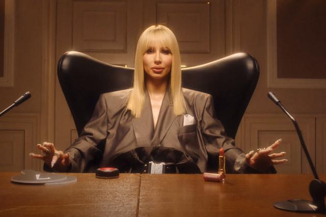 Светлана Лобода в кадре из клипа Boom Boom