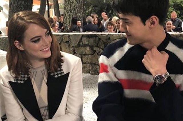 Эмма Стоун и Сехун на показе Louis Vuitton