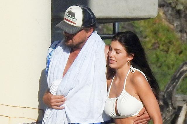 Леонардо ДиКаприо и Камила Морроне провели время на пляже в Малибу: фото