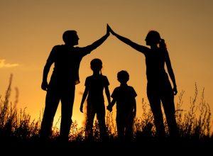importance of family in mental health recovery 300x220 - Миф об идеальном родительстве: чем он мешает воспитанию