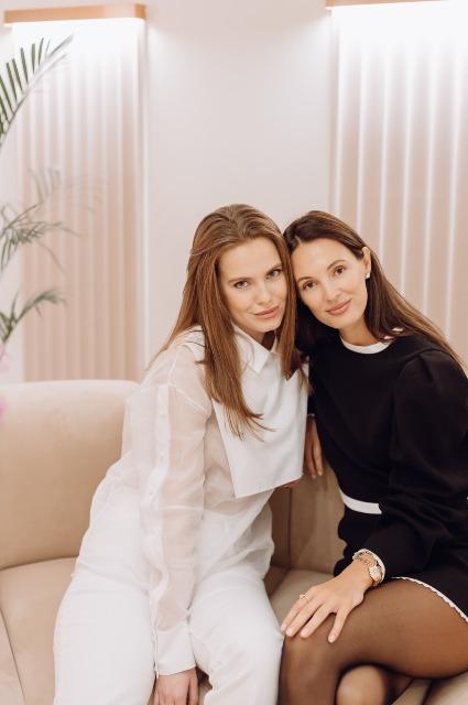 Дарья Клюкина и основательница студии Алиса Карманова