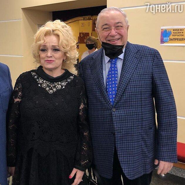 Евгений Петросян и Надежда Кадышева — фото