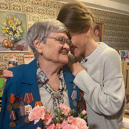 Юлия Барановская с ветераном