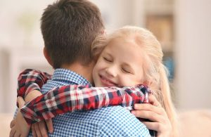 Что делать, чтобы подросток слушал родителей, а не ровесников?