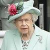 Последний патрон королевы: как Елизавета может остановить Меган Маркл и принца Гарри