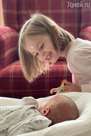 Дочь и младший сын Сергея Безрукова и Анны Матисон - фото