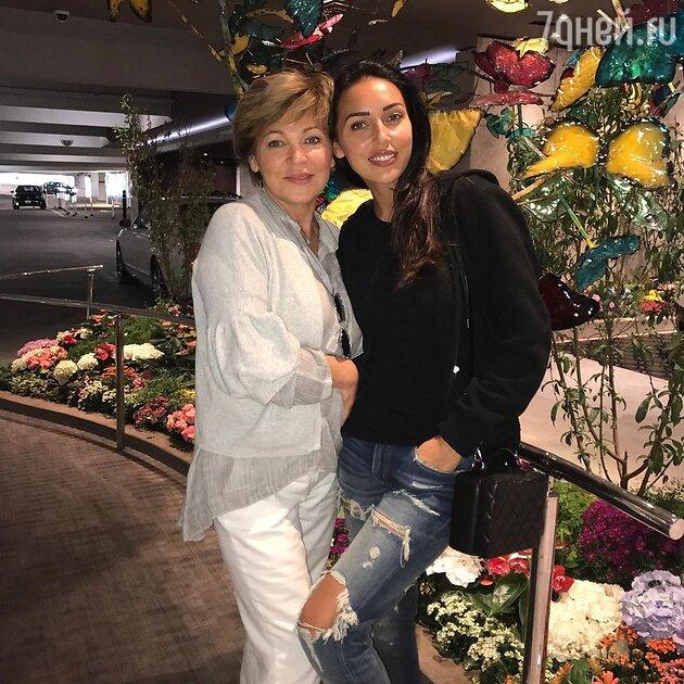 Алсу с мамой — фото