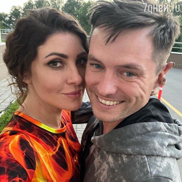 Анастасия Макеева с мужем - фото