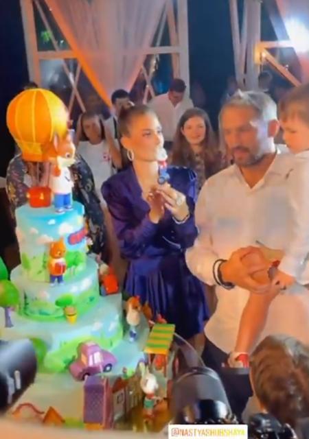 Анастасия Шубская и Александр Овечкин с сыном Сергеем
