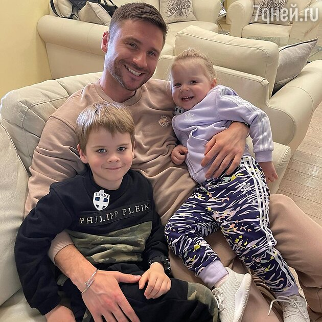 Дети Сергея Лазарев
