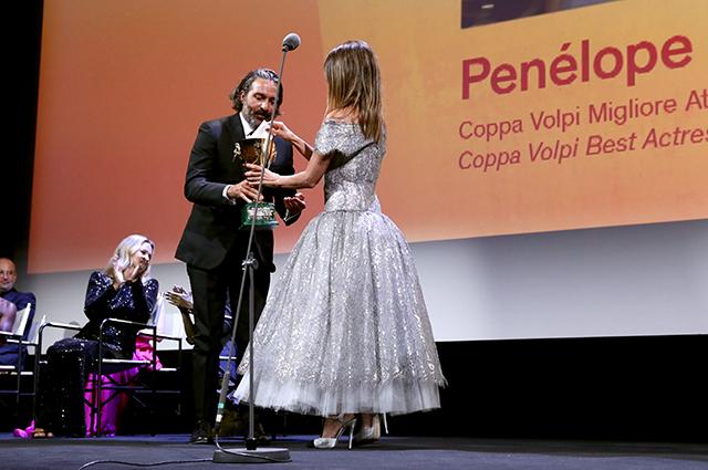 Пенелопа Крус получает Кубок Вольпи