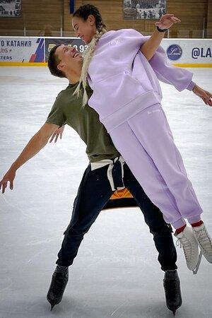 Дмирий Соловьев и Ольга Бузова - фото