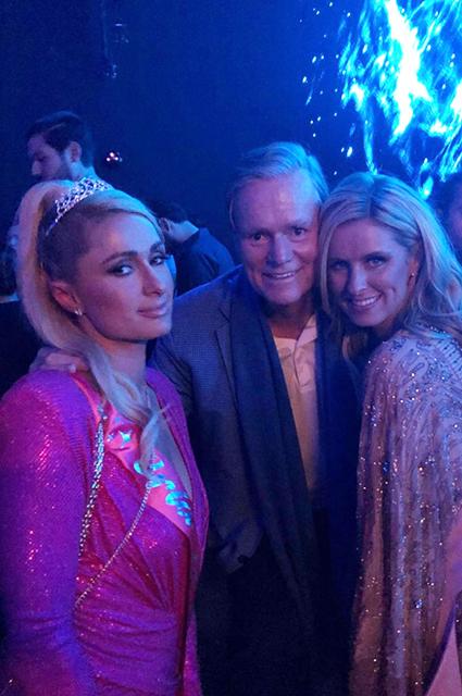 Пэрис и Ники Хилтон с отцом Риком